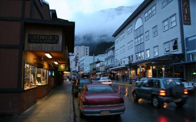 The Juneau Hotel: Night Life
